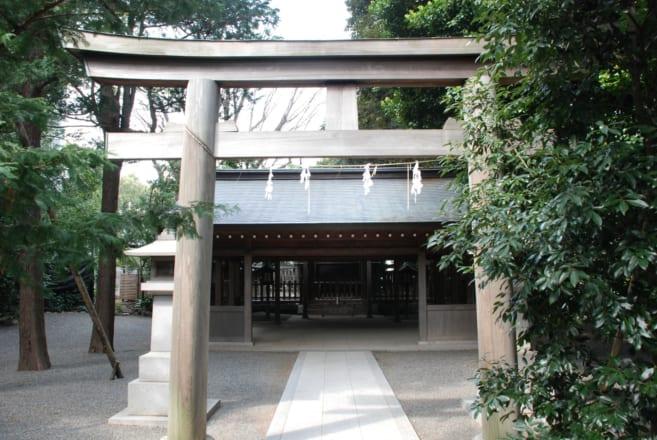 校内にある神殿